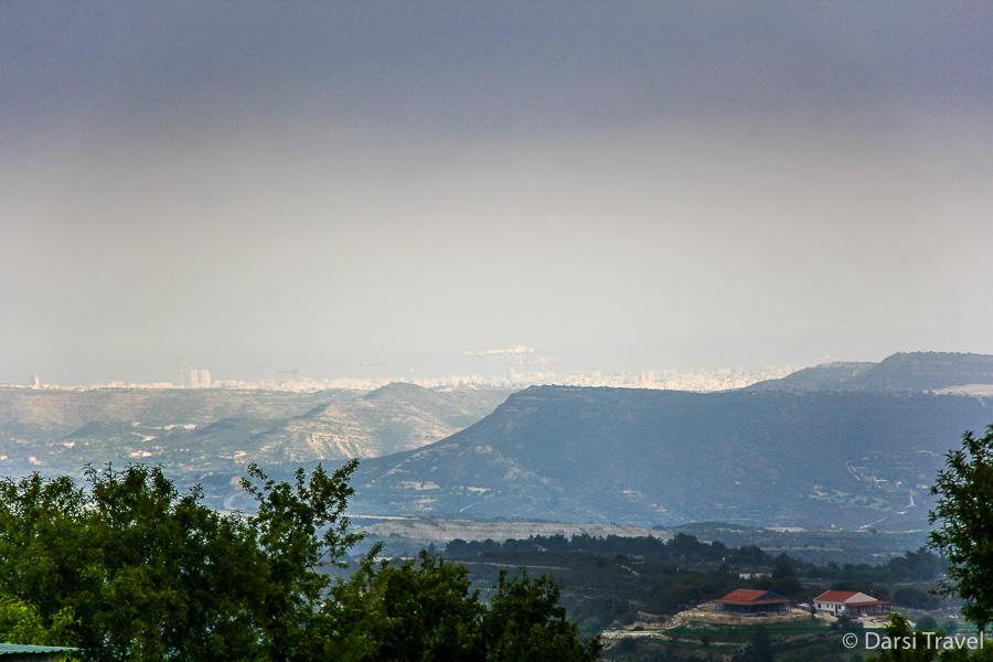Деревня Лофу Кипр Вид с обзорной площадки на Лимассол и морское побережье